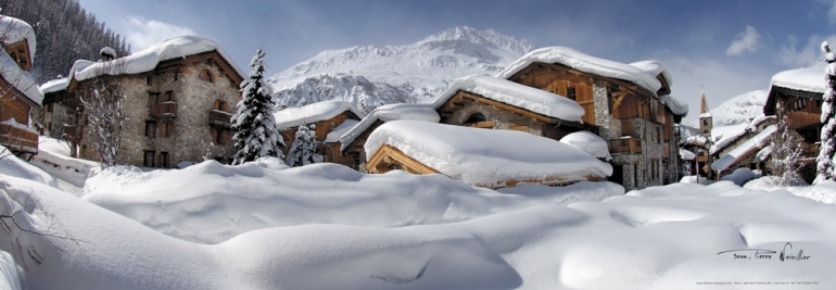 village sous la neige les alpes vues generiques photo montagne. Black Bedroom Furniture Sets. Home Design Ideas